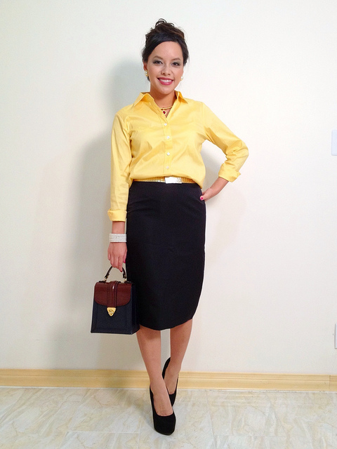 instgram-pslilyboutique-yellow-top-banana-republic-black-pencil-skirt