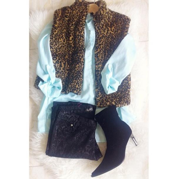 pslilyboutique, instagram, fashion blog, los angeles fashion blogger, Leopard faux fur vest, mint chiffon top, skinny jeans, booties
