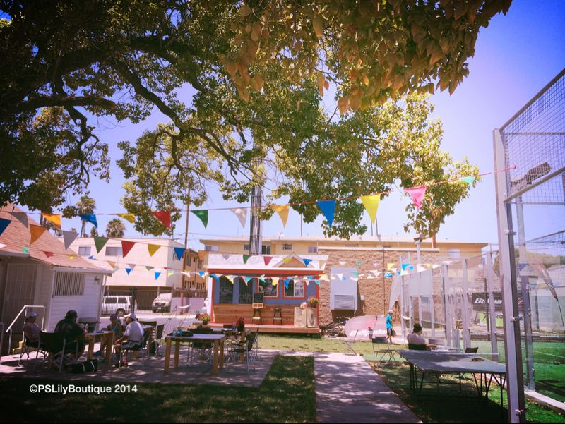 PSLily Boutique: Jump Around, Cafe La Casita, Sunset Padel