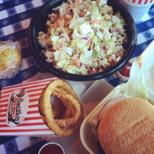 -*+Lettuce eat with @ibakefilm #portillos #nomnomnom #chicago #pslilyboutique #eats #nom…