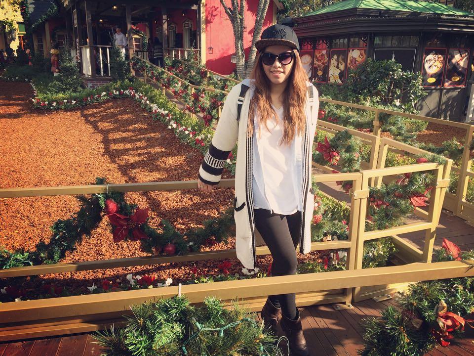 instagram-pslilyboutique-los-angeles-fashion-blogger-hanes-white-tshirt-vintage-blue-chambray-shirt-black-leggings-winter-2015-ootd-12-22-15