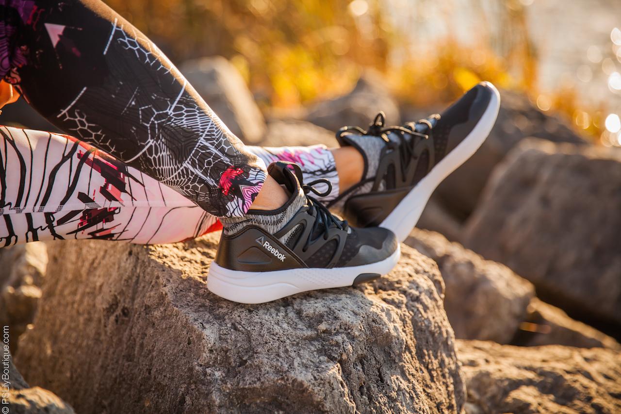 instagram-pinterest-pslilyboutique-los-angeles-top-fashion-bloggers-lifestyle-travel-blog-reebok-hayasu-black-shark-white-sneakers-shoe-fall-ootd-2016-10-25-16