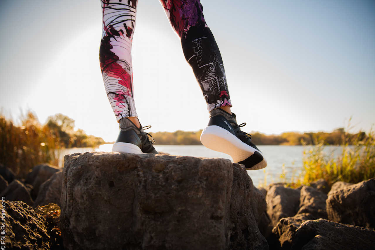 instagram-pslilyboutique-los-angeles-fashion-blogger-reebok-urban-instinct-print-graphic-tight-leggings-black-sneakers-lifestyle-travel-blog-fall-2016-outfit-ideas-10-25-16