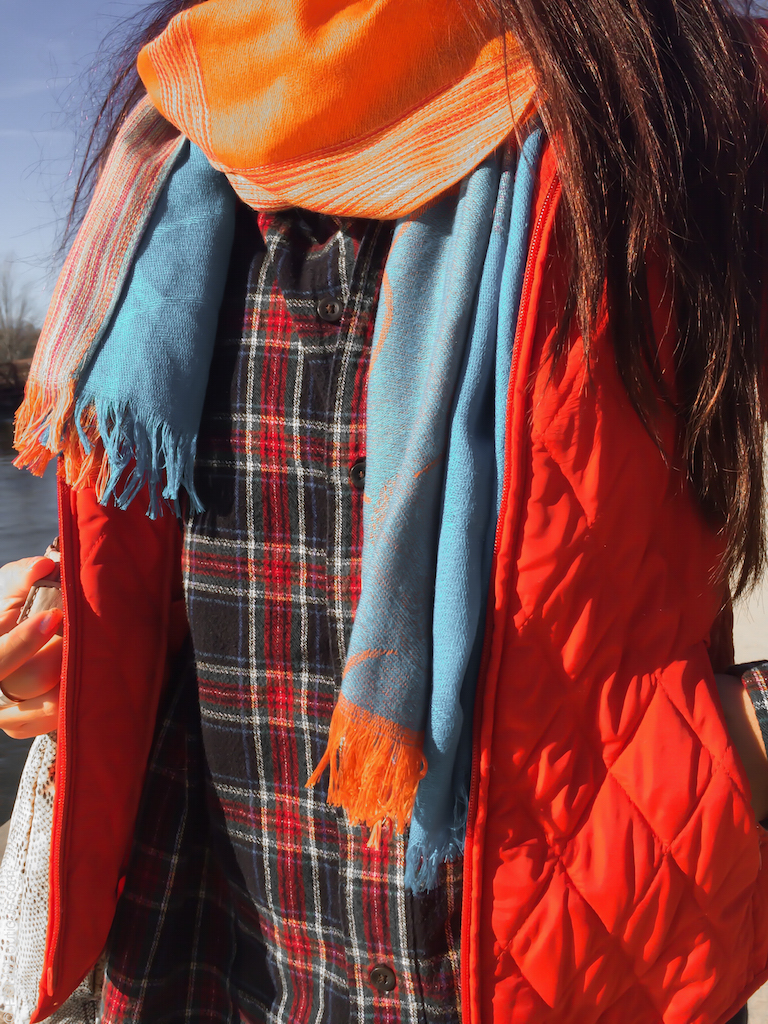 instagram-pslilyboutique-los-angeles-fashion-blogger-llbean-black-red-flannel-shirt-orange-quilted-vest-vintage-orange-turquoise-blue-plaid-blanket-skarf-fall-2016-outfit-ideas-11-13-16