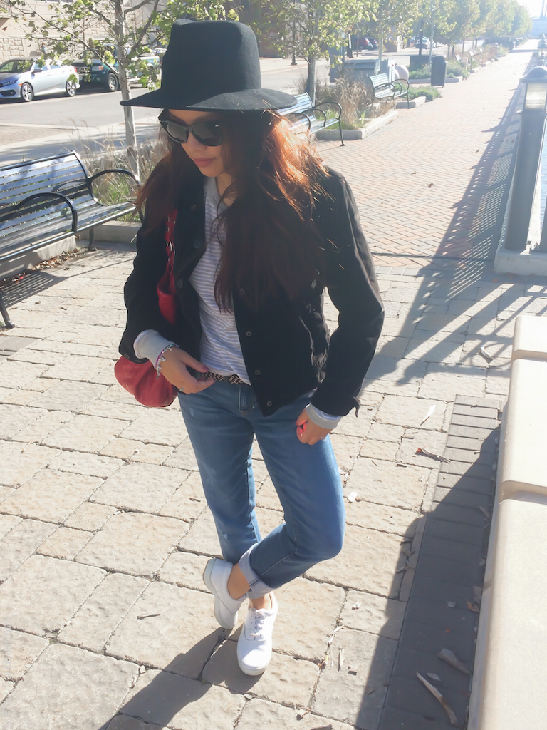instagram-pslilyboutique-los-fashion-blogger-white-lace-up-sneakers-gap-blue-best-girlfriend-jeans-denim-fall-2016-outfit-ideas-11-21-16