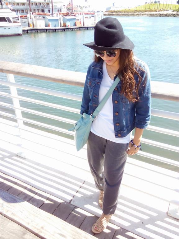 instagram-pslilyboutique-los-angeles-fashion-blogger-fashionista-pinterest-lifestyle-travel-blog-beige-light-blue-crossbody-bag-joggers-3-28-17