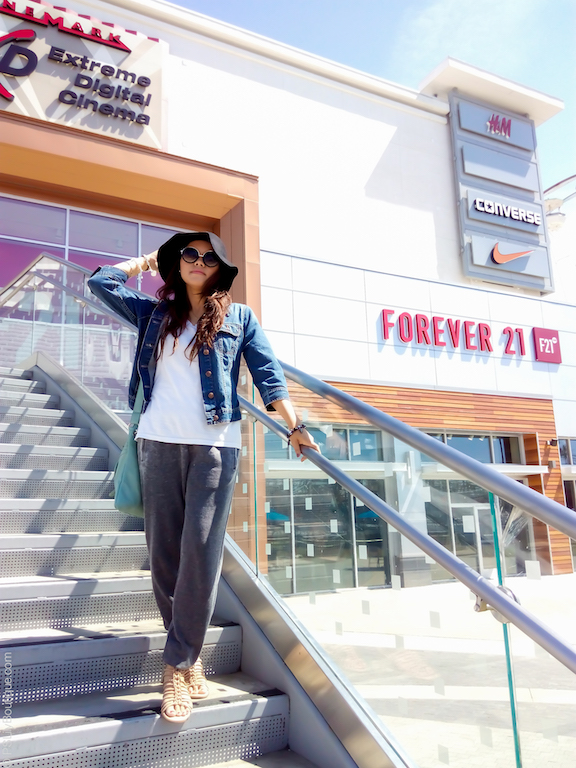 instagram-pslilyboutique-los-angeles-fashion-blogger-top-fashion-blogs-forever-21-gray-jogger-pants-for-woman-pinterest-spring-outfit-ideas-2017-the-pike-3-28-17