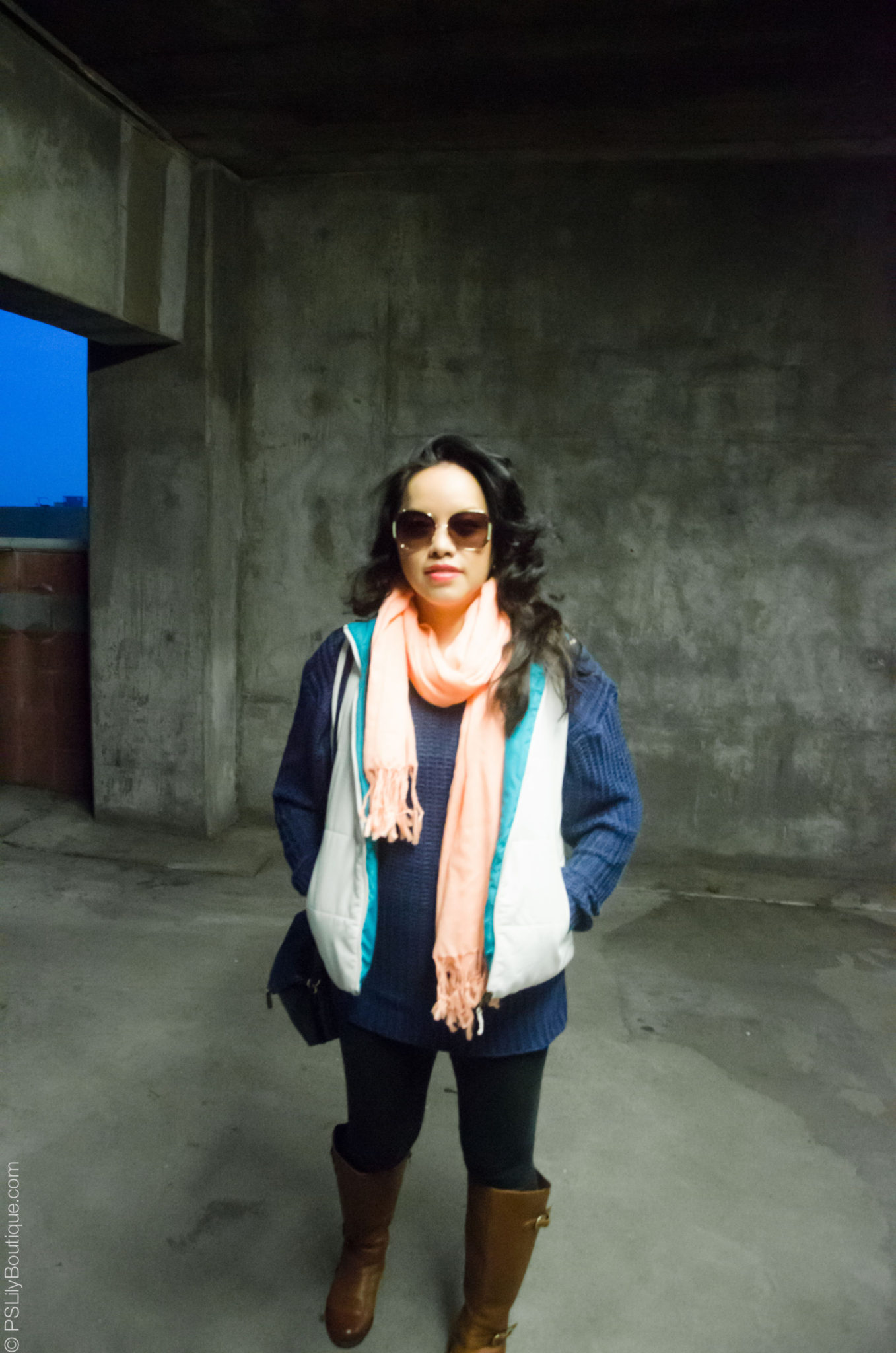 Cozy-up-PSLilyBoutique-instagram-pinterest-peach-orange-fringe-scarf-navy-blue-cable-knit-sweater-black-forever-21-leggings-lucky-brand-sunglasses-fall-winter-2018-outfit-ideas-long-hair-4