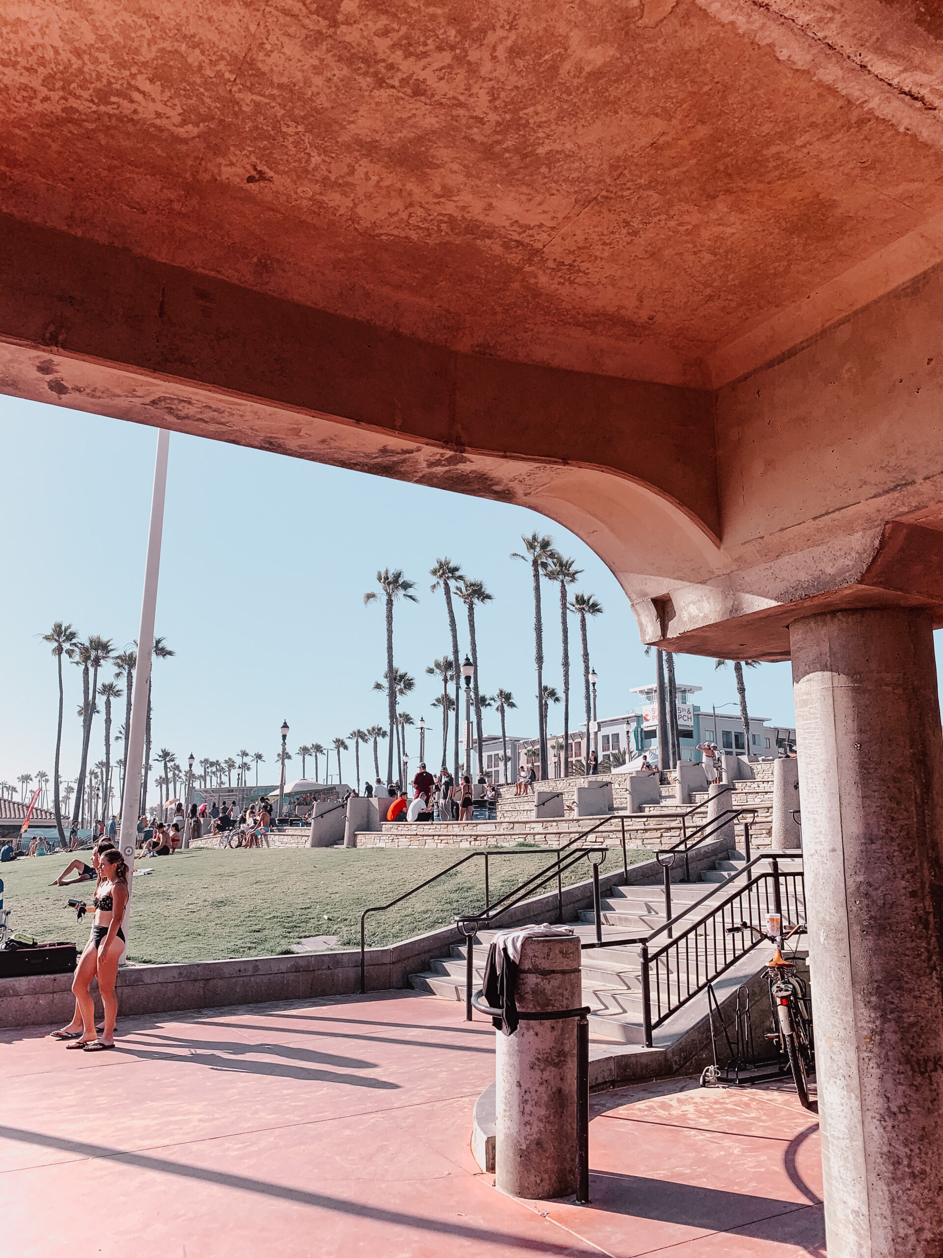 pslilyboutique-on-instagram-huntington-beach-pier-palm-trees-IMG_1092
