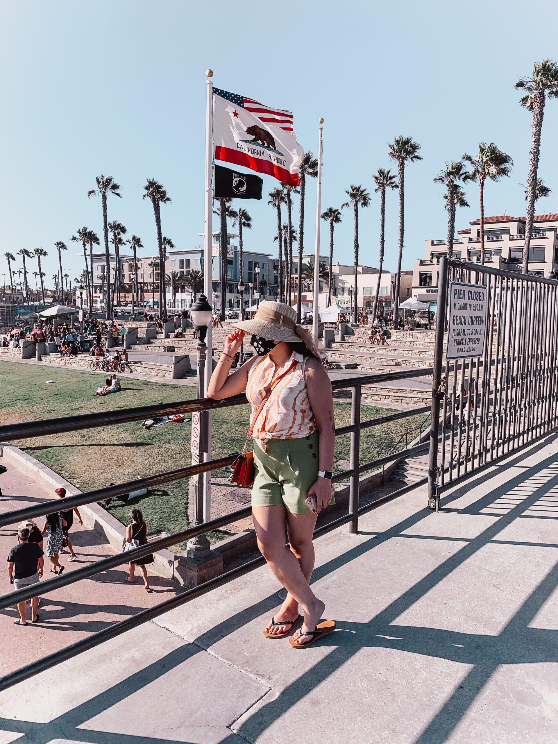 pslilyboutique-on-instagram-summer-2020-outfit-ideas-huntington-beach-pier-california-IMG_1095